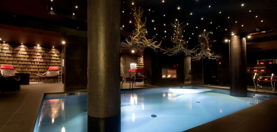 france_espace-killy_val-disere_hotel_avenue_lodge_indoor_pool_night.jpg